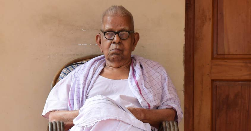 poet-akkitham-conferred-with-jnanpith-award-for-his-outstanding-contribution-to-the-malayalam-literature