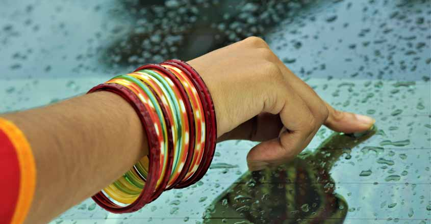 glass-bangles
