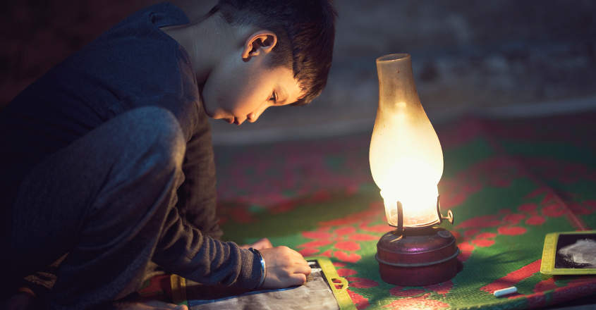 boy-studying