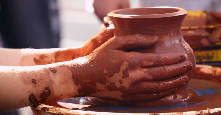 potter-making-pot-traditional-style