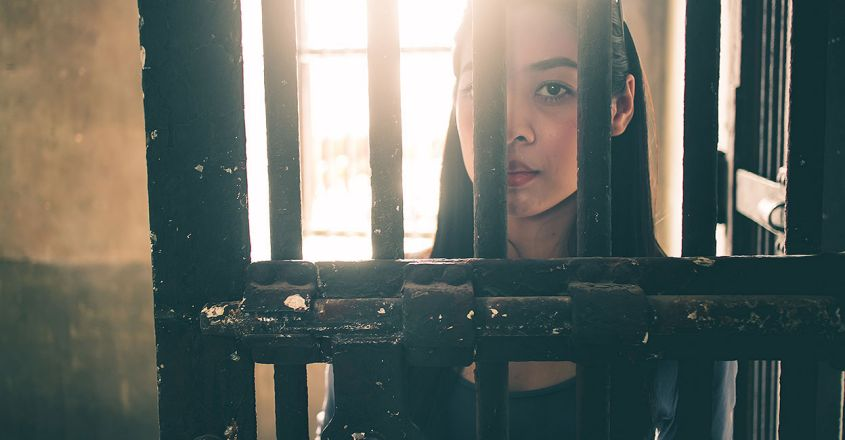 woman-in-jail