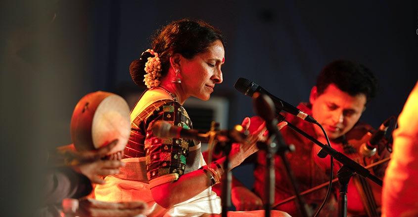 Bombay-Jayashri2