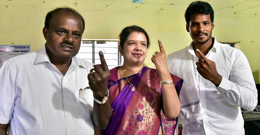 HD Kumaraswamy| Anitha | Nikhil Gowda | Elections 2019