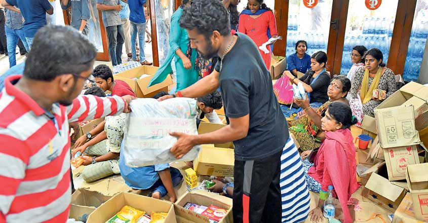 flood-relief-thiruvananthapuram1