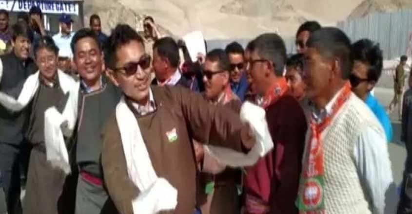 ladakh-mp-dancing-