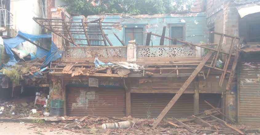 building-collapsed-2