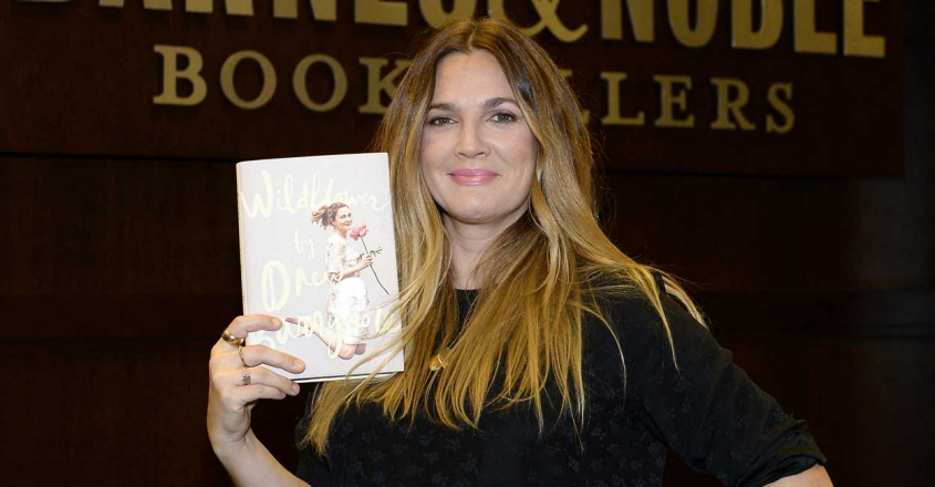 US-DREW-BARRYMORE-SIGNS-COPIES-OF-HER-NEW-BOOK-