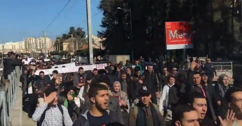 algeria-people-protest1