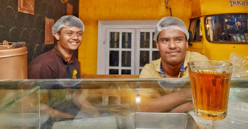 we-smile-and-differently-abled-staff-in-restaurant-kozhikode1