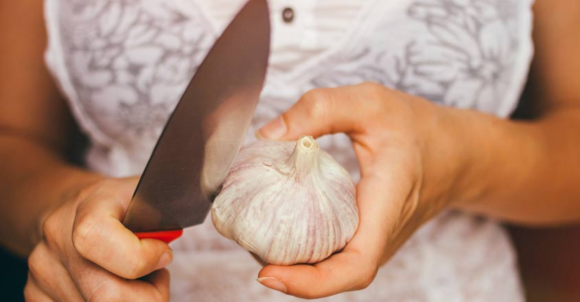 Garlic Peeling