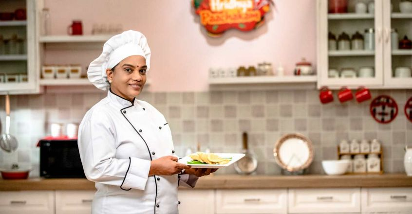 chef-latha-cooking