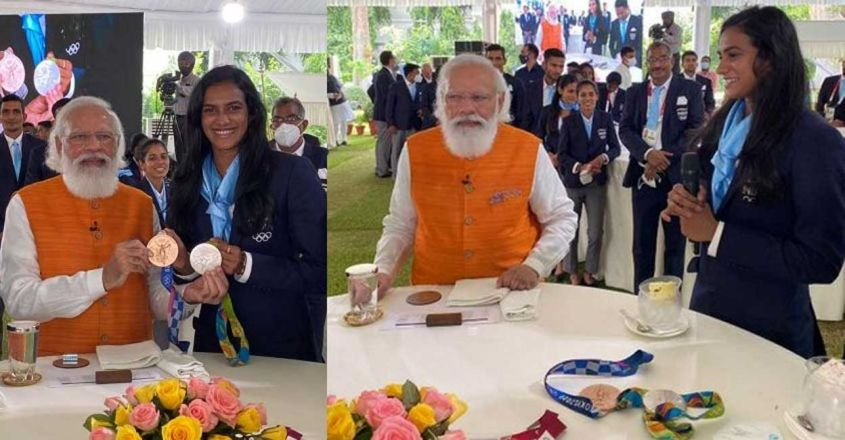pm-with-pv-sindhu