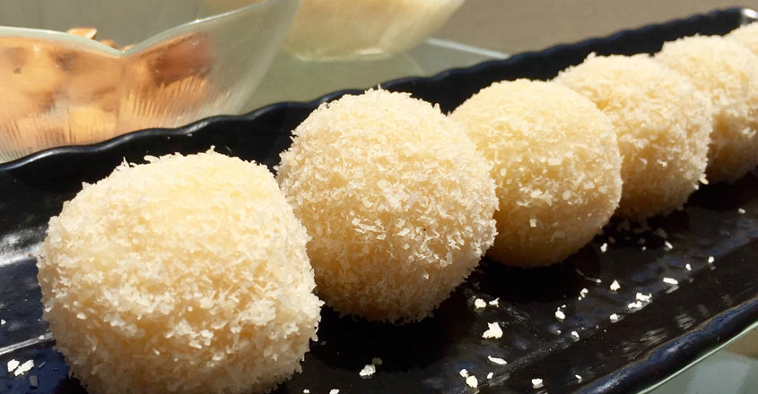 instant-coconut-laddu