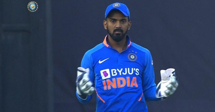 kl-rahul-wicket-keeper