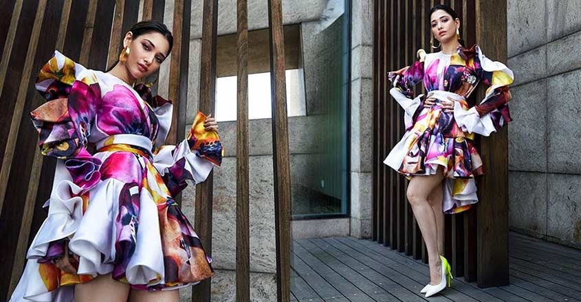 tamannaah-bhatia-stunning-look-in-a-colourful-outfit