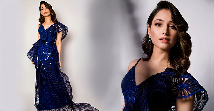 tamannaah-bhatia-hot-look-in-blue-saree-gown