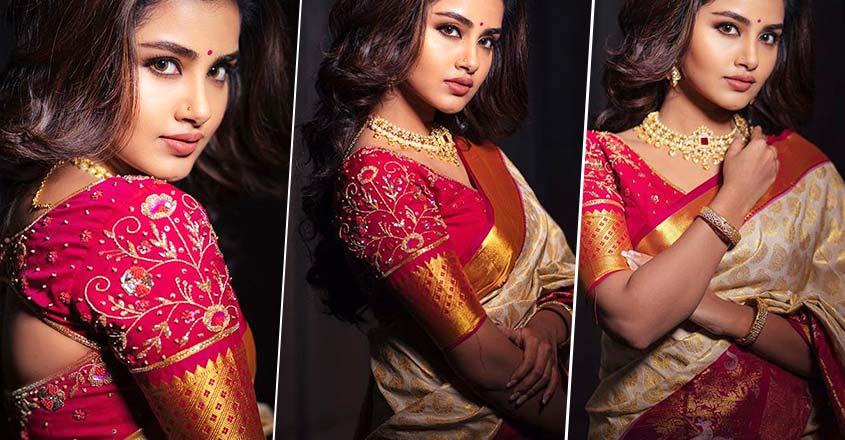 anupama-parameswaran-stylish-look-in-saree