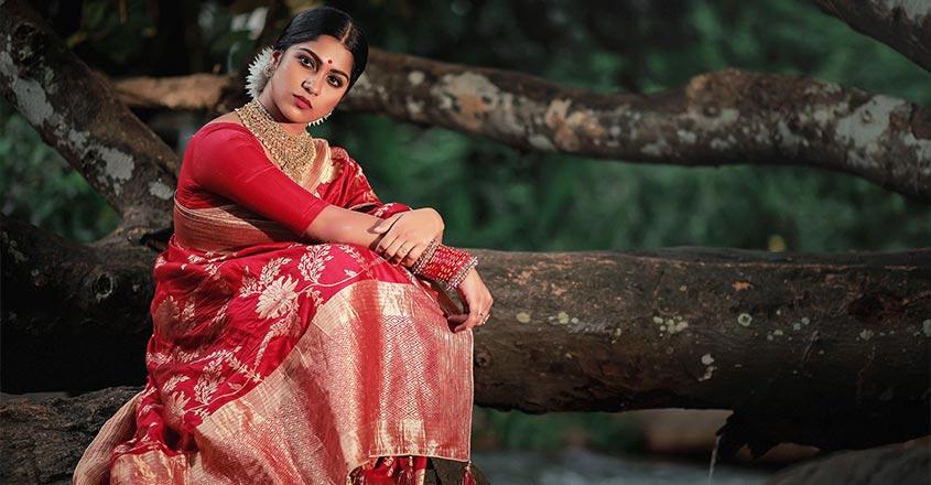 swasika-vijay-photo-shoot-in-saree