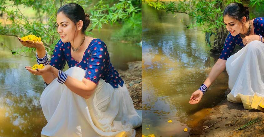 actress-anusree-photo-shoot-in-traditional-costume