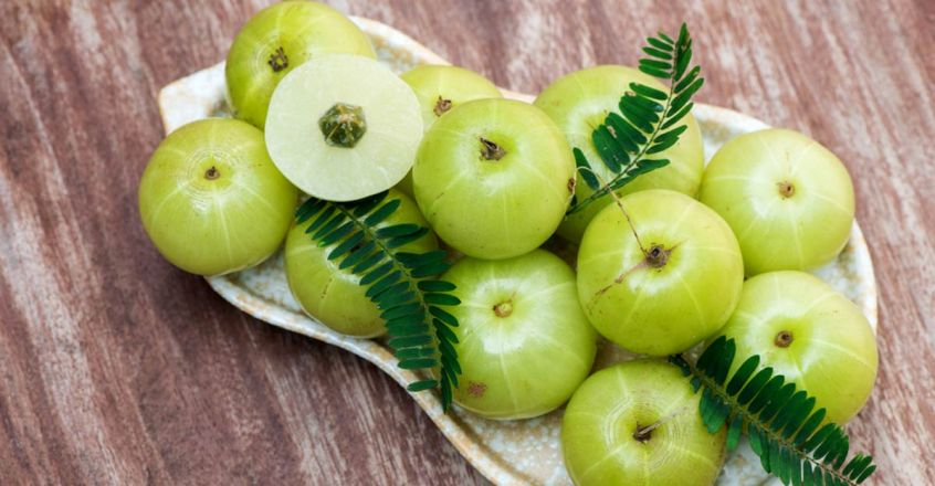 amla-hair-masks-to-prevent-hair-loss-and-dandruff