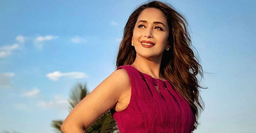 actress-madhuri-dixit-home-remedies-for-strong-hair