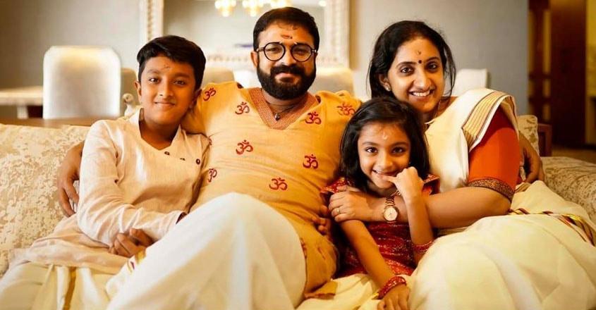 jayasurya-family