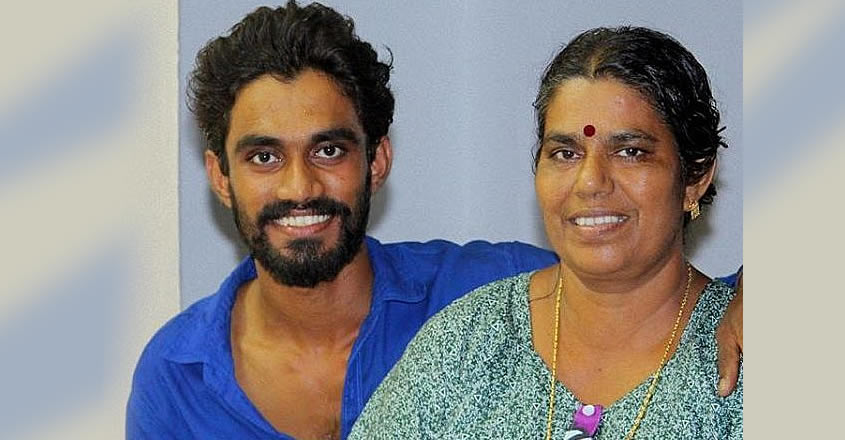 jishnu-with-mother
