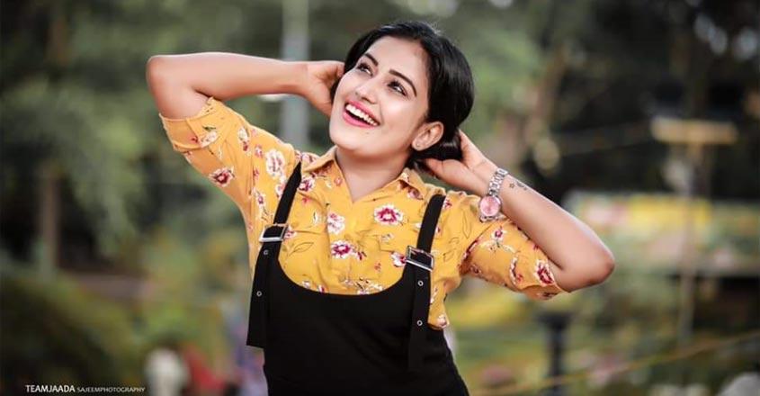 actress-anu-mol-karthu-lock-down-days