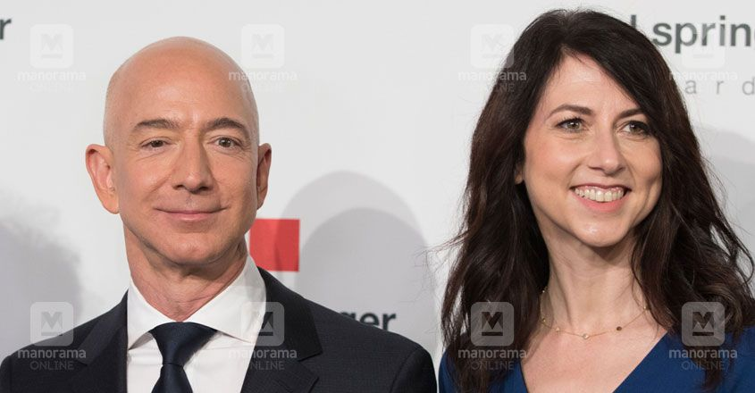 Jeff-Bezos-and-MacKenzie