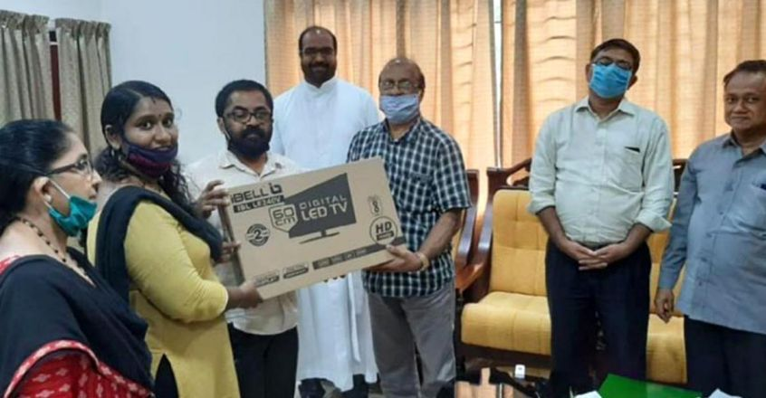 manoramaonline-malabar-gold-and-diamonds-golden-salute-covid-warriors-campaign-psychosocial-project