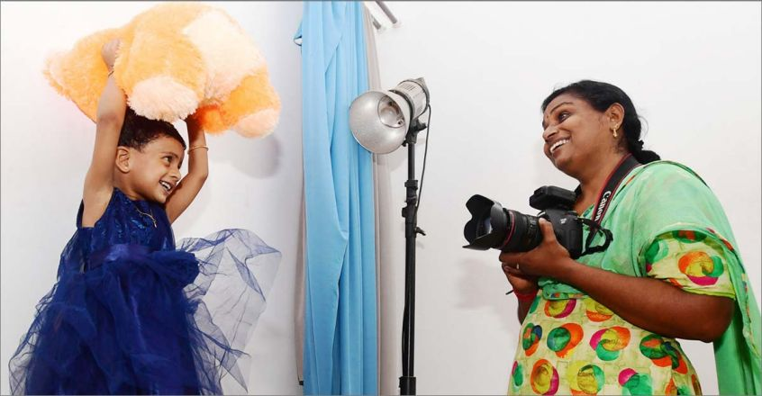 survival-story-of-sindhu-a-nurse-turned-photographer