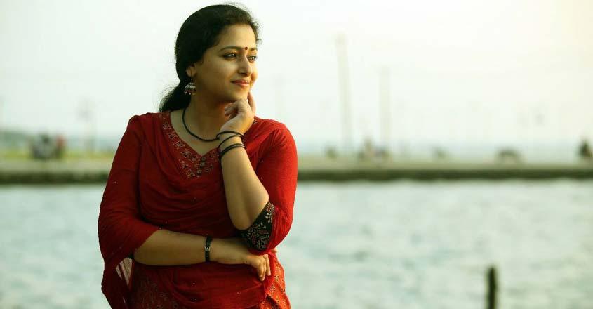 actress-anu-sithara-on-life-movie-husband