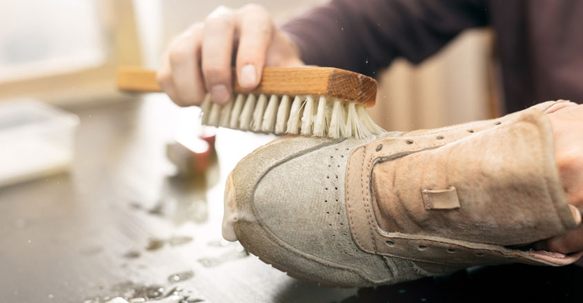 best-tips-to-clean-footwear