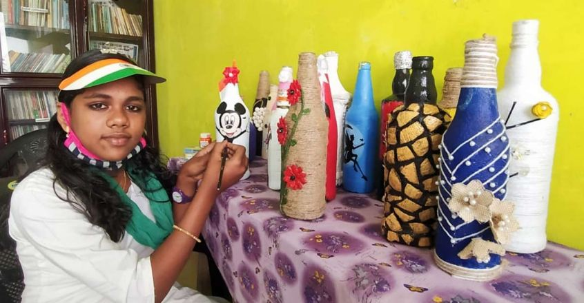 harsha-fathima-bottle-art
