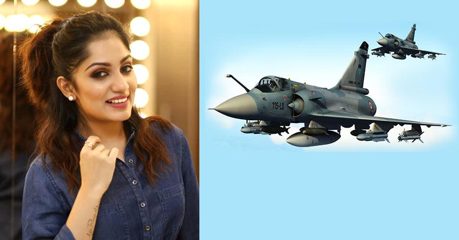 serial-actress-arya-saluting-indian-army