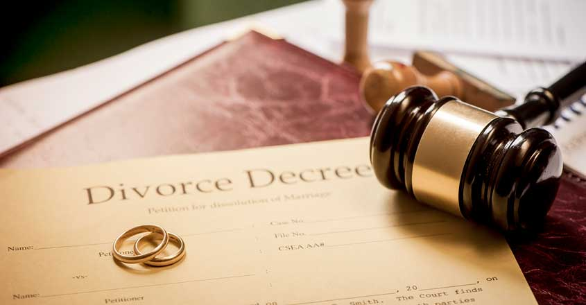 woman-files-for-divorce-husband-shuns-bathing-shaving