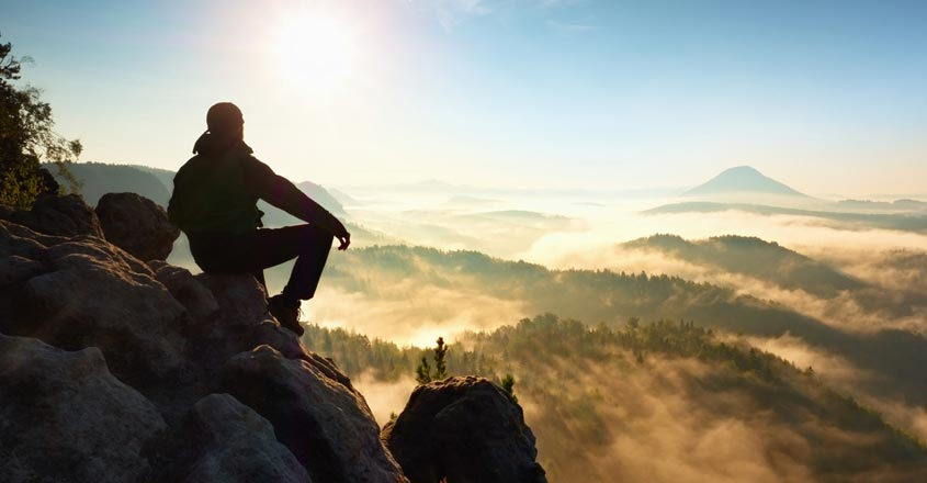 man-travel-from-france-to-spain-to-buy-cigarettes-trapped-in-mountain