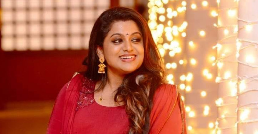 actress-veena-nair-on-abusive-comment
