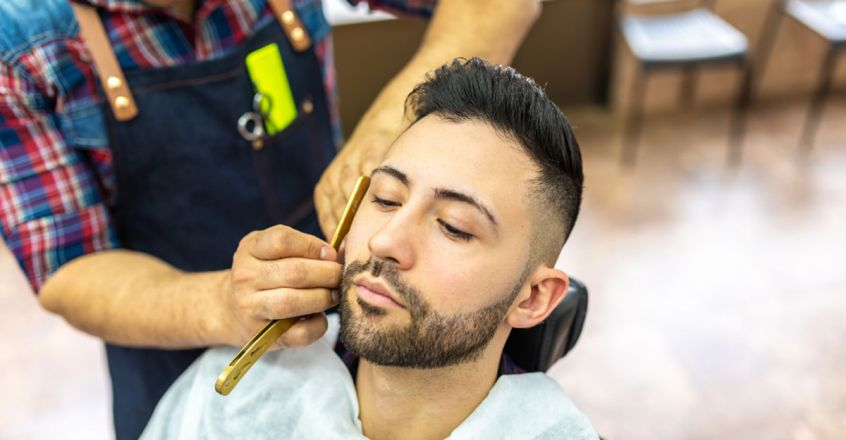 shave-with-gold-barber-razor-for-100-rs