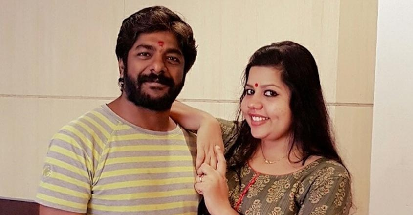 marimayam-fame-sneha-sreekumar-and-ps-sreekumar-marriage