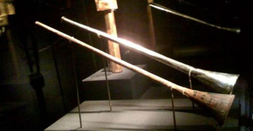 King-Tuts-trumpets-on-exhibit