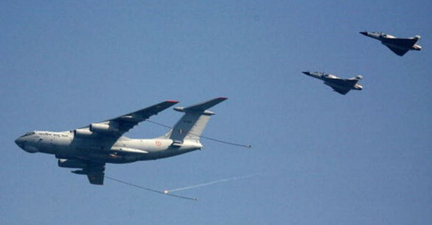 Mirage-2000-Il-78-Mid-Air-Refueling