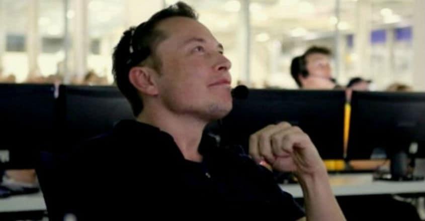 Elon-Musk-Falcon-9-Dragon