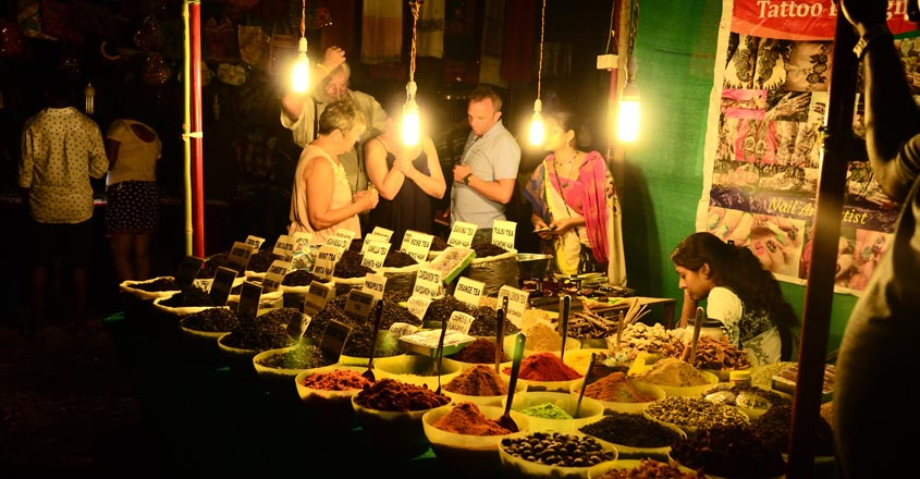 Goa-trip-and-night-Market1