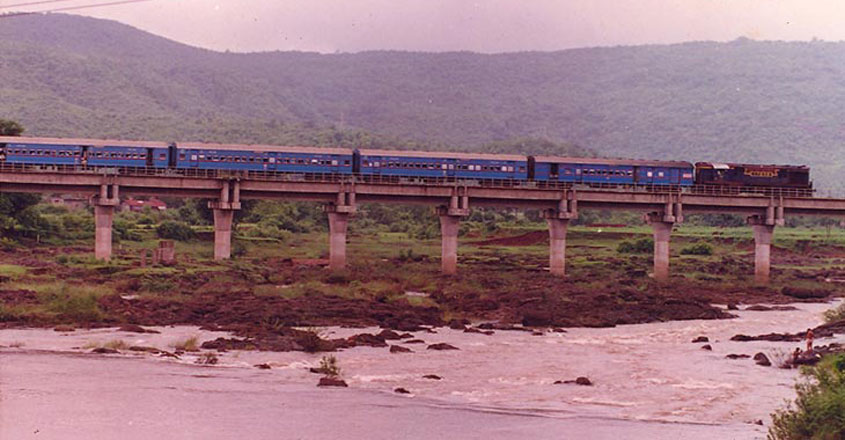 konkan-rail-beauty-trip2