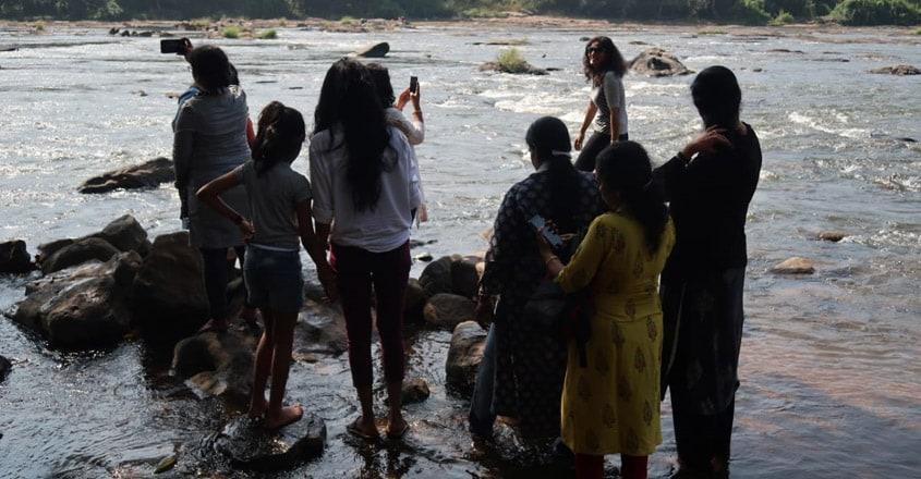 Ladies-only-Malakkappara-Trip7