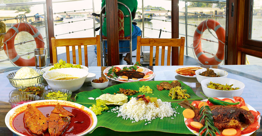 houseboat-trip-and-food