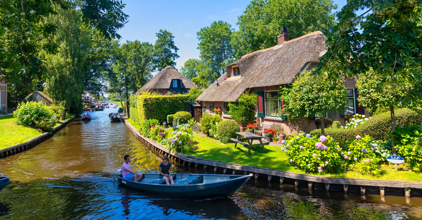 Giethoorn-The-village-without-roads