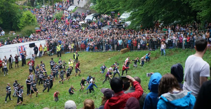 coopers-cheese-rolling