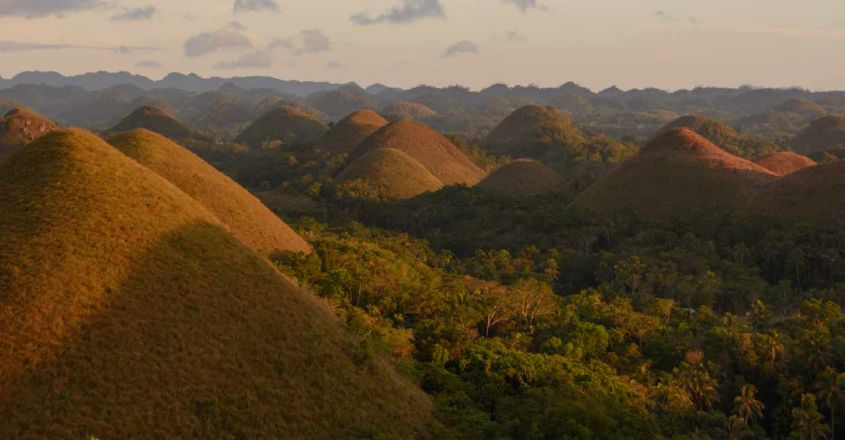 Chocolate-Hills-in-Bohol,-Philippines